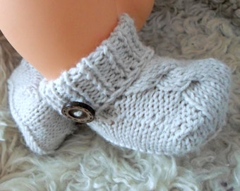baby boots, newborn shoes, crib shoes for baby, knit baby booties, baby shower gift, newborn booties, baby booties knit, baby boy booties,