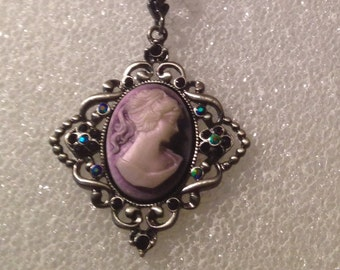 Vintage Cameo Purple beaded necklace