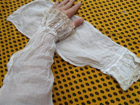 Victorian White Arm Warmers Lace Wristlet Cuffs French Handmade Cotton Sleeves Bridal Accessory #sophieladydeparis