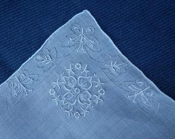 Vintage embroidered linen handkerchief (#13)