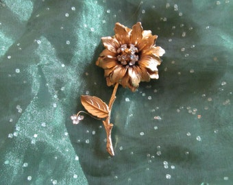 Vintage Mid-Century Gold-Tone/Rhinestone Flower Pin/Brooch With Stem And Bud