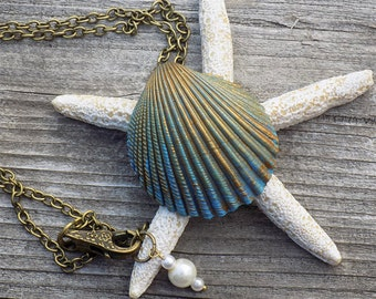 painted shell necklace, seashell necklace, shell pendant, hand painted, blue shell, antique bronze, boho necklace, mermaid necklace, beach