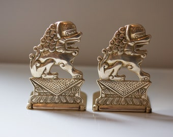 Vintage Brass Foo Dog Bookends, Collapsible. Chinoiserie Bookends Gold Foo Dogs