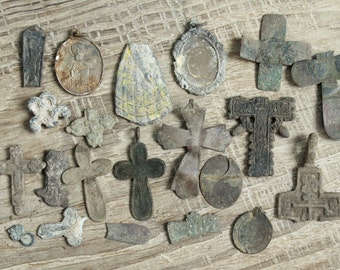 digging finds ... Lot of 20 antique crosses parts of crosses and charms ... antique cross ... digg found objects ... antique jewelry  #8