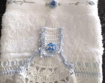 Crochet top hanging towel