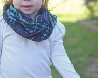 HEAVY Baby scarf, Toddler Scarf, Infant Scarf Infinity Scarf, Children's Plaid Scarf, Infinity Scarf, Infant/Toddler Scarf Christmas Scarf