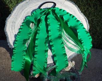 Green Ruffled Ponytail Streamer