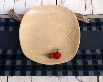 Piatto squadrato in ceramica beige e pizzo / ceramic dessert plate / impronta di pizzo /