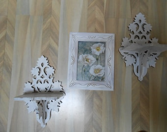white distressed shelf X2 and frame set