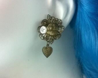 STRAY CAT STRUT Vintage Cat Earrings/Jewelry/ Accessories/Womens Earrings SUB81