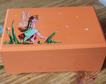 Transmission memories fairy / jewelry box / Fairy / box painted by hand / gift box / Creations Triskel