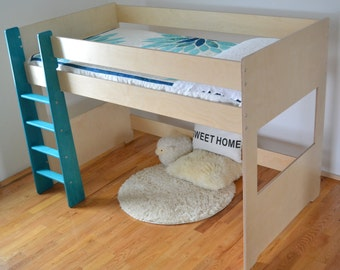 Loft bed (mid height)