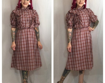 Vintage 1970's Brown Plaid Dress with frill collar