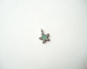 Vintage sterling silver starfish charm, crushed turquoise starfish, starfish pendant, green turquoise, small pendant charm
