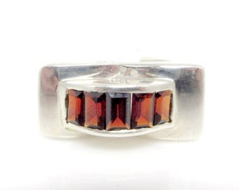 Sterling silver Ring with step-cut Garnets (Retro)