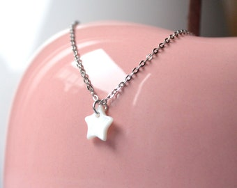 Shell star pendant necklace