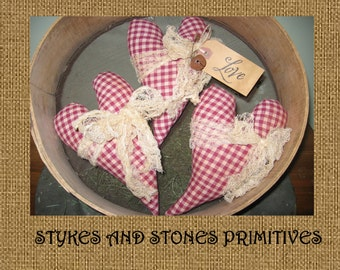 PRiMiTiVe SpRiNg St. VaLeNTiNe'S DaY CuRVeD HeArTs OrNiE BoWL FiLLeRs DoLLs TuCks PaTTeRn