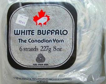 Original WHITE BUFFALO Vintage BICOLOUR Blue and Cream Wool Roving 1 Cake