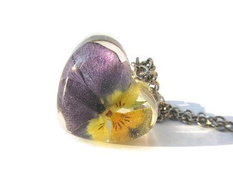 Violet Necklace Flower Necklace Flower Pendant Resin Nature Necklace Botanical Resin Flower Pendant Resin Real Violet Necklace