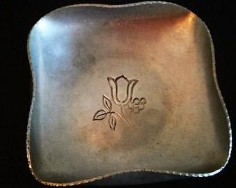 Bowl Aluminum Dish Large Hand Wrought Etched Tulip Buenilum Vintage Crimped Edge Hammered