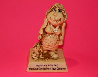 1976 Russ Berrie #9223 USA Mother + Baby Funny Statue Figurine - Mother's Day