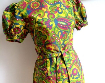 1960s - Green Psychedelic Belted Mini Dress (S Fit)