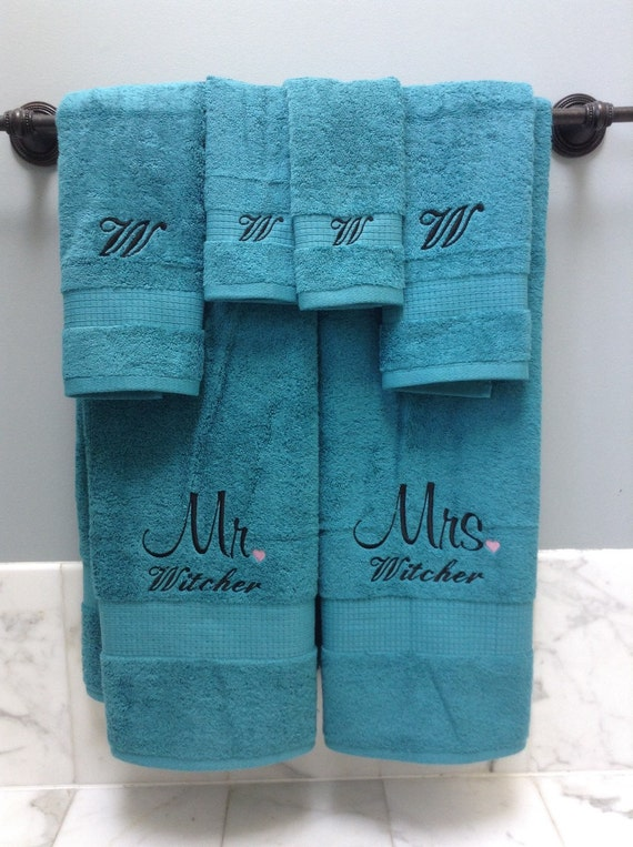Embroidered monogrammed wedding gift towels for Embroidered towels for wedding gift