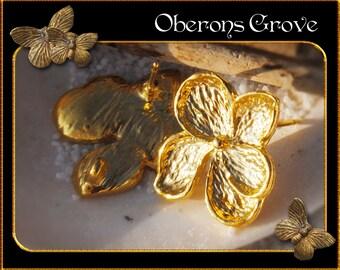 6 Leaf earstuds gold