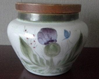 Buchan stoneware lidded pot made in Scotland