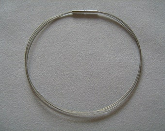 3-row necklace with bayonet lock made of stainless steel