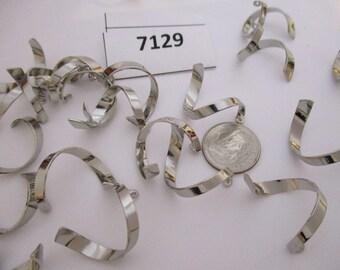 "Vintage metal Swirl dangles  1/2"" long,  Lot of 4  7129M"