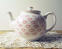 Vintage Sadler England White and Red 'Teapots' pattern Teapot. Excellent condition!