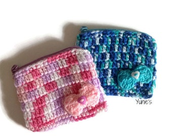 Crochet coin pouch with ribbon