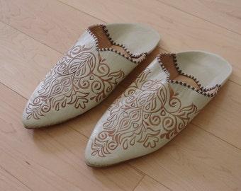 "UNWORN Handmade 90's Babouche Moroccan Leather Lambskin Slippers 11"" x 4.5"""