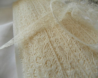 valencienne beige lace