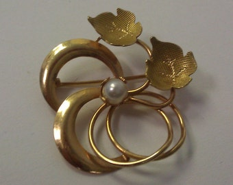 VINTAGE 18K Yellow Gold Floral and Leaves Pin Brooch w/Pearl Accent One of a Kind!