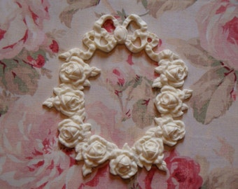 Shabby and Chic Rose & Ribbon Oval Wreath Furniture Applique