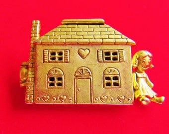 Rare HTF Gold Tone AJC Dollhouse That Opens Up to Show The Three Story Interior Brooch Pin