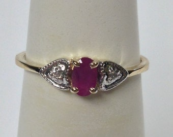 Natural Ruby with Natural Diamond Ring Solid 10kt Yellow Gold