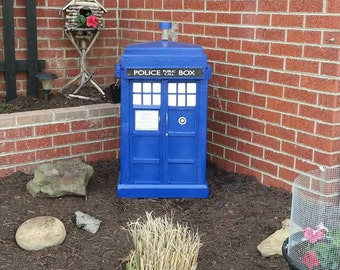 Doctor Who inspired 3ft Garden Tardis.