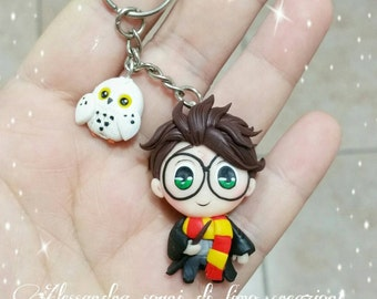 Harry potter keychain keyring edwige owl fimo polimer clay gryffindor hogwarts gift for fan book lovers baby t-shirt clipart paper clip
