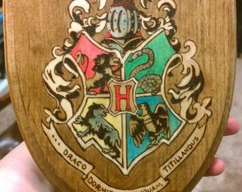 Hogwarts Woodburn crest