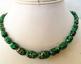 1940s Venetian Iridescent Green FOIL ART GLASS Vintage Necklace