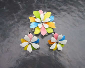 Mid century vintage Sarah Coventry multi color petals brooch and clip earrings set
