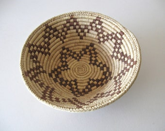Pima Papago Indian Basket / Vintage 1980s