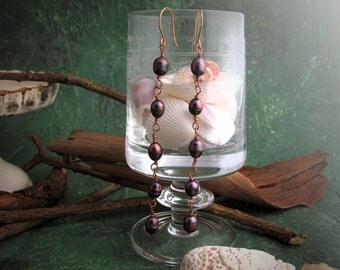 Victorian style earrings, with freshwater purple pearls and copper. Romantic vintage style.