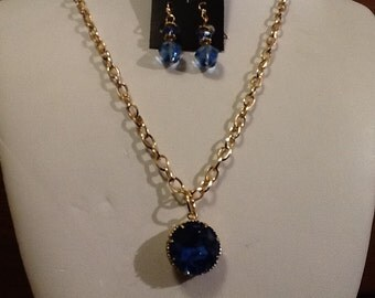 Beautiful Blue Swarovski Crystal Necklace & Earring set