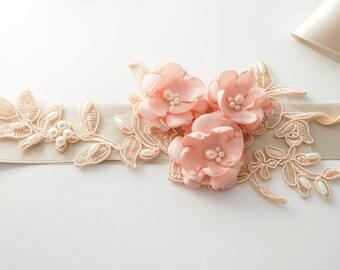 Champagne Bridal Sash, Blush Flower Wedding Sash, Bridal Sash, Champagne Belt,Flower Belt,Wedding Dress Sash, Vintage sash, Lace Bridal Sash