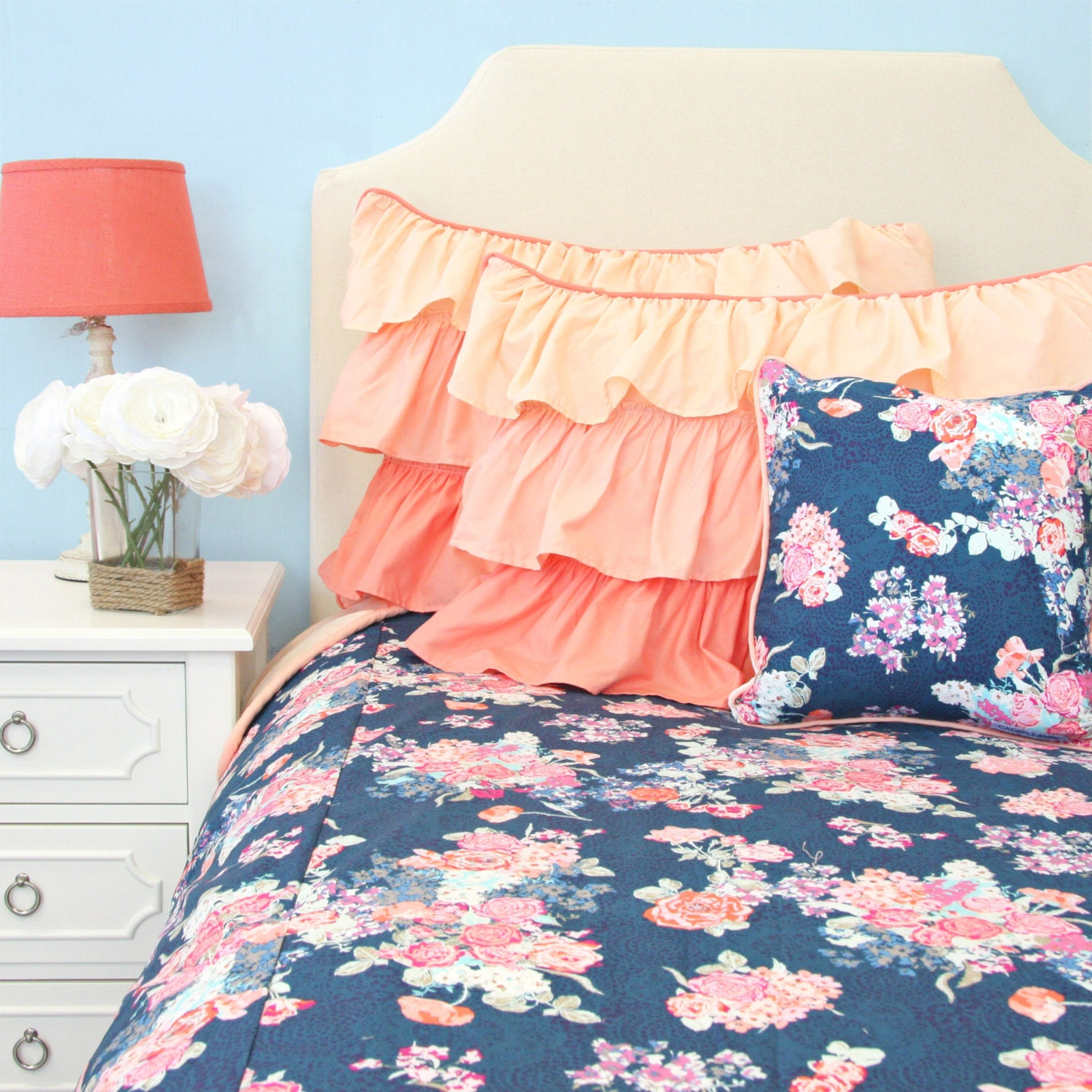 charleigh 39 s coral and navy floral big kid twin full. Black Bedroom Furniture Sets. Home Design Ideas