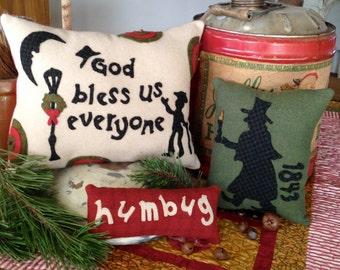 Primitive Wool  Christmas Pattern